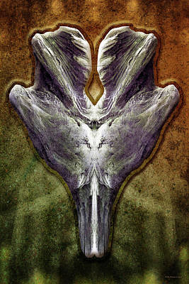 Digital Art - Xenorelic 2 by WB Johnston