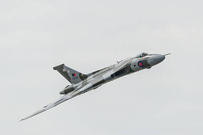 Photograph - Xh558 Flypast by Gary Eason