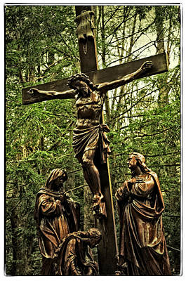 Sait Photograph - Xll Jesus Dies On The Cross by Mike Martin
