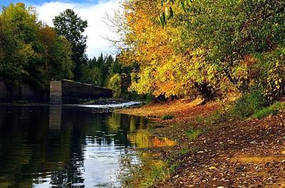 Photograph - Yamhill Locks Fall 5743 by Jerry Sodorff