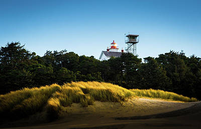 Photograph - Yaquina Bay Light by Duncan Selby