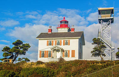Photograph - Yaquina Bay Lighthouse by Dennis Bucklin