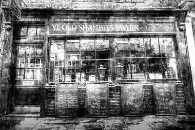 Photograph - Ye Old Shambles Tavern York Vintage by David Pyatt