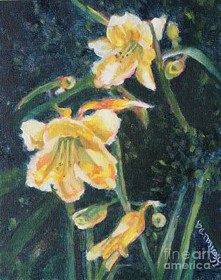 Painting - Yellow Day Lilies by Jan Bennicoff