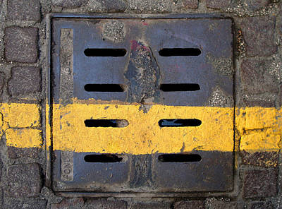 Editoria Photograph - Yellow Stripe On by Ciro Pignalosa