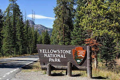 Photograph - Yellowstone Northeast Entrance  by Shirley Mitchell
