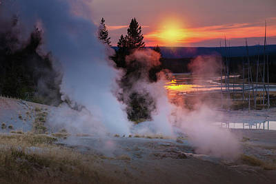 Photograph - Yellowstone Sunset by Cliff Wassmann