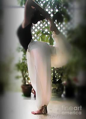 Yoga Dance Photograph - Yoga Natarajasana by Uldra Johnson