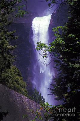 Target Threshold Photography - Yosemite Falls at Dawn by Paul W Faust -  Impressions of Light
