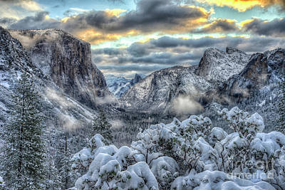 Photograph - Yosemite National Park Tunnel View Winter Beauty by Wayne Moran