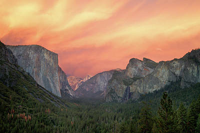 Yosemite - Red Valley Art Print