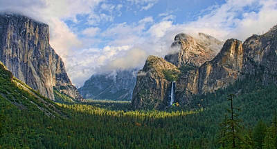 Yosemite Tunnel View Art Print by Tom Kidd