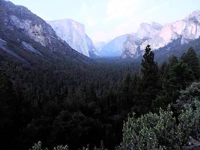 El Capitan Digital Art - Yosemite Twilight by Eric Forster