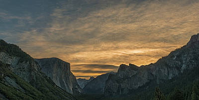 Photograph - Yosemite Valley Dawn by Loree Johnson