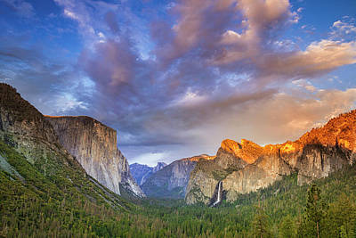 Photograph - Yosemite's Tunnel View by Andrew Soundarajan