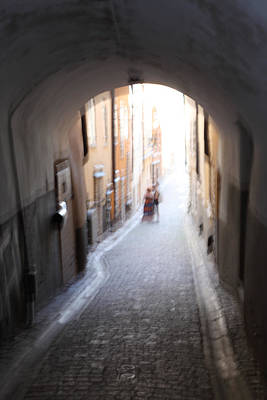Young Couple In A Narrow Alley Art Print