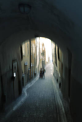 Young Couple In An Alley Art Print