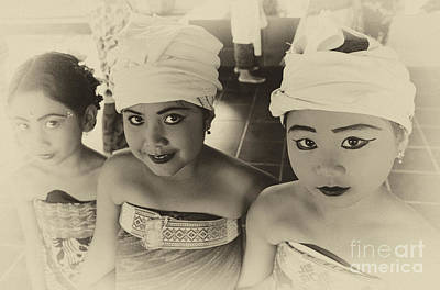 Photograph - Young Dancers Bali Indonesia by Bob Christopher