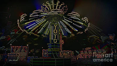 Stratford Photograph - Yoyo Ride by Linda Troski