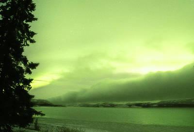 Photograph - Yukon Norhern Lights P6 by Phyllis Spoor