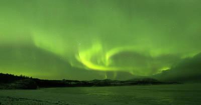 Photograph - Yukon Norhern Lights P9 by Phyllis Spoor