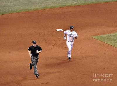 Photograph - Zobrist On The Run by John Black