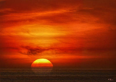 Photograph - Zoomed While Sinking Sun by Hanny Heim