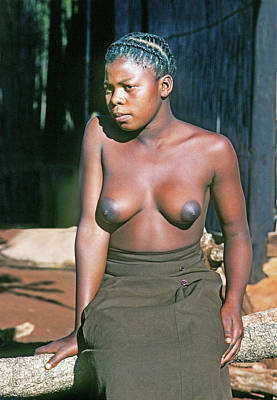 Seated Nude Girl Photograph - Zulu Mother by Buddy Mays