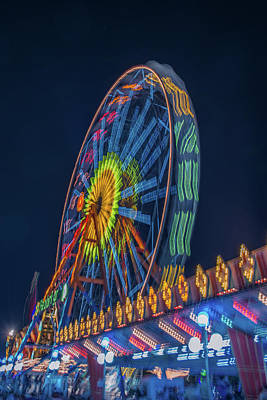 Photograph - Big Wheel-2 by Okan YILMAZ