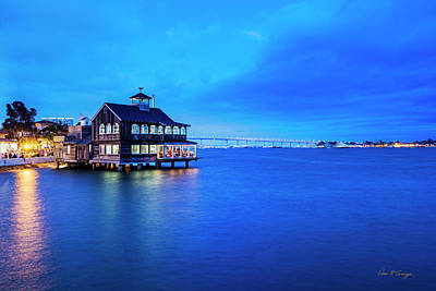 Photograph - Dinner On The Bay by Dan McGeorge