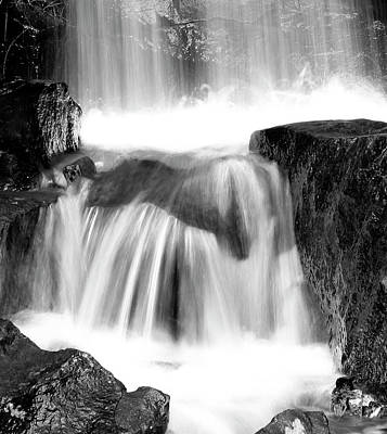 Photograph - Fallin Water by Ed  Riche