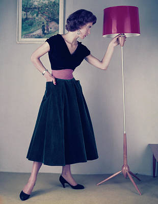 Photograph - Fifties Fashion by Hulton Archive