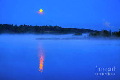 Royalty-Free and Rights-Managed Images - Full moon by Veikko Suikkanen