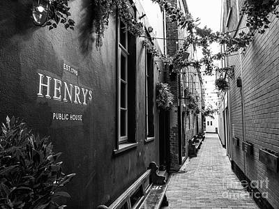 Photograph - Henry's, Belfast by Jim Orr