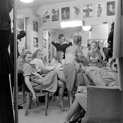 Gulf Coast Photograph - Models At The Neiman Marcus Store, An by Nina Leen