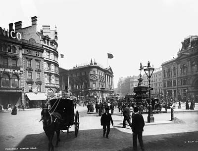Piccadilly Circus Art Print by London Stereoscopic Company
