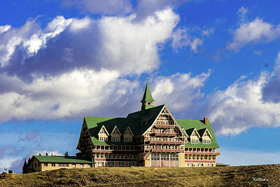 Photograph - Prince Of Wales Hotel by Tim Kathka