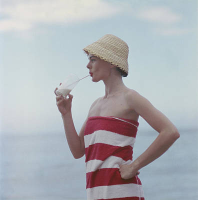 Photograph - Pussyfooting by Slim Aarons