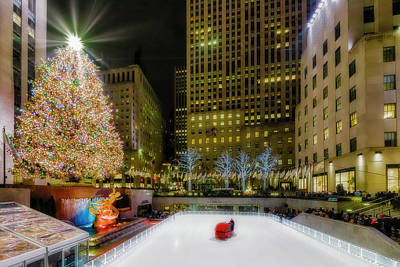 Photograph - Rockefeller Center Christmas Nyc by Susan Candelario