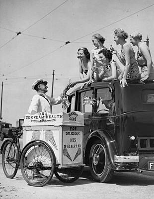 Photograph - Selling Ice-cream by Fox Photos