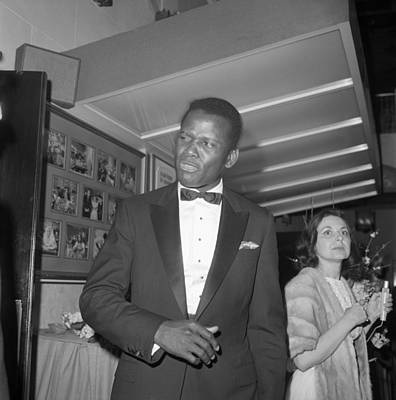 Photograph - Sidney Poitier At The Oscars by Michael Ochs Archives