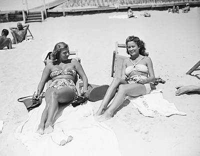Lying Down Photograph - Vanderbilts In Southampton by Bert Morgan