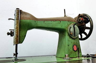 Photograph - Vintage Sewing Machine by Yali Shi