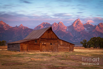 Photograph - 1486 Moulton Barn by Steve Sturgill
