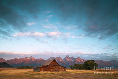 Photograph - 1487 Moulton Barn by Steve Sturgill