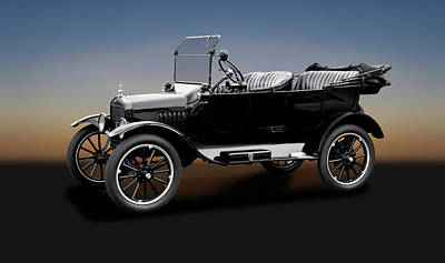 Photograph - 1921 Ford Model T Touring Car  -  1921fordmodelttouringcar186046 by Frank J Benz