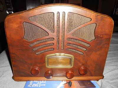 Superhero Ice Pop - 1936 EMERSON TUBE RADIO Model 111 by Celestial Images