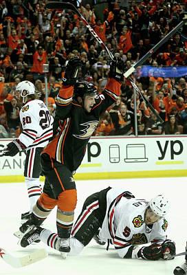 Nhl Photograph - Chicago Blackhawks V Anaheim Ducks - by Stephen Dunn