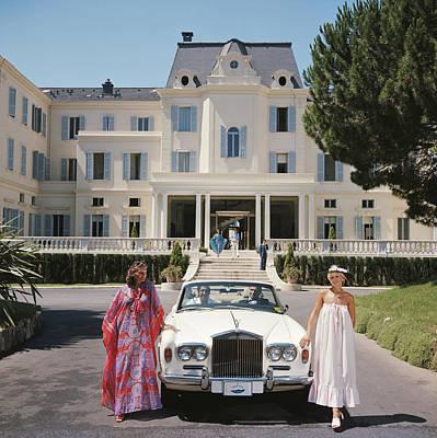 Standing Photograph - Hotel Du Cap-eden-roc by Slim Aarons