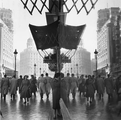 Photograph - Madrid Street by Thurston Hopkins